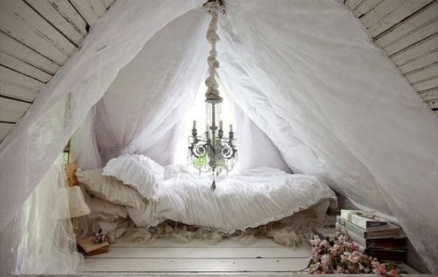 camera-da-letto-mansardata-shabby-chic